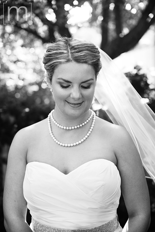 a portrait of the bride at the oakville club