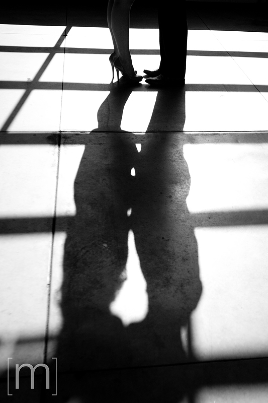 a silhouette of a couple at an eng shoot at wychwood barns