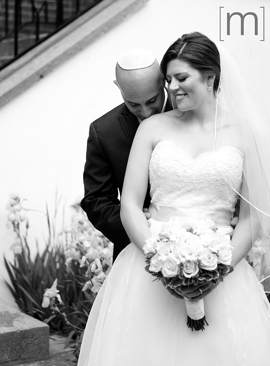 a photo of a bride and groom at kiever shul toronto